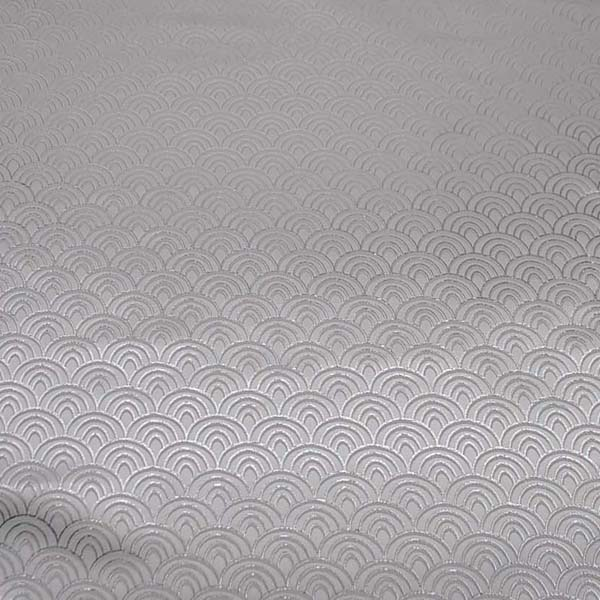 よさこいや舞台衣装に最適な 光沢感のある素材 ラメ入りジャガード 青海波 白×シルバー