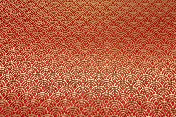 よさこいや舞台衣装に最適な 光沢感のある素材 ラメ入りジャガード 青海波 朱赤×ゴールド