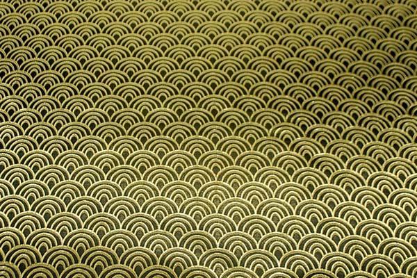 よさこいや舞台衣装に最適な 光沢感のある素材 ラメ入りジャガード 青海波 黒×ゴールド
