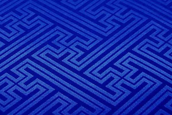 よさこいや舞台衣装に最適な 光沢感のある素材 ポリエステルジャガード 紗綾形 青(ロイヤルブルー)