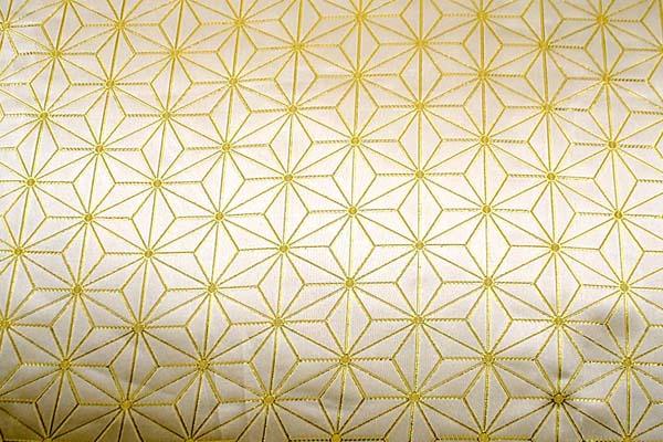 よさこいや舞台衣装に最適な 光沢感のある素材 ラメ入りジャガード 麻の葉柄 ゴールド