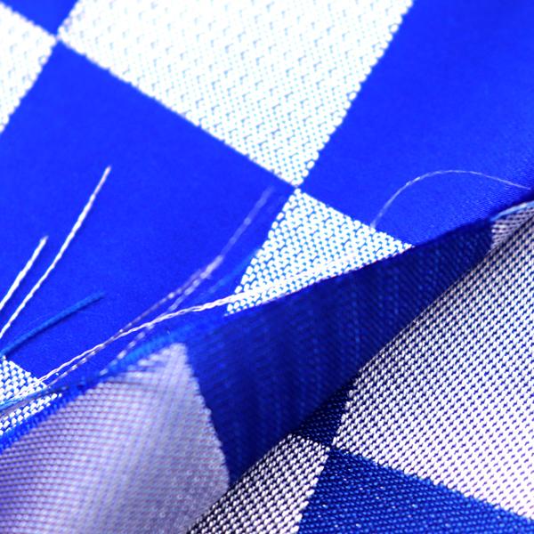 よさこいや舞台衣装に最適な 光沢感のある素材 サテンジャガード 市松格子 青×銀