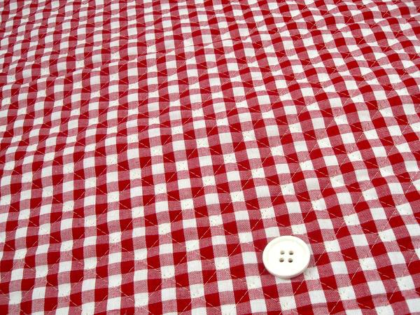 ギンガムチェックのキルティング生地(キルト生地) 赤色・レッド(Q1171-72)