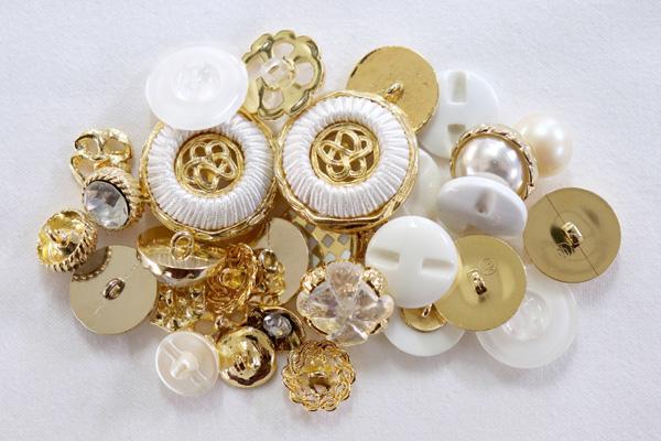 メーカー廃番品 ヴィンテージ ジルコニア入 アンティークボタン ホワイト・ゴールド系27 (16組)