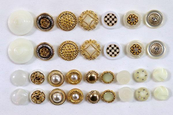 メーカー廃番品 ヴィンテージ ジルコニア入 アンティークボタン ホワイト・ゴールド系28