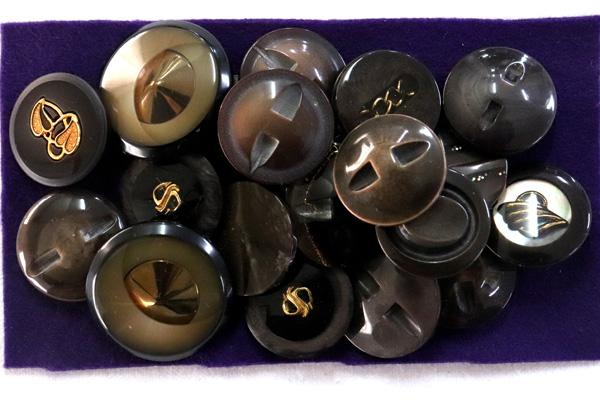 メーカー廃番品 ヴィンテージ ジルコニア入 アンティークボタン ブラウン・ベージュ系 (23~30mm10組 20個)パッケージ