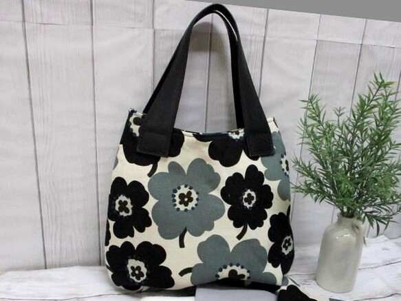 綿麻キャンバス北欧調の花で作るバッグ