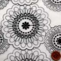 オーガンジーレース生地(ニット生地ではありません) 花柄 白地×黒 【50cm販売】  (la572)