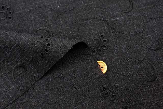 麻混の刺しゅうレース生地 (ニット生地ではありません) 黒地×黒 【50cm単位】 (la715)
