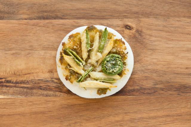 だんご屋PIZZA山菜チーズ2