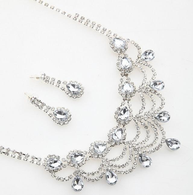 ネックレス&ピアスorイヤリング2点セットHA59(silver金具*クリアストーン)【ネコポス便送料無料】