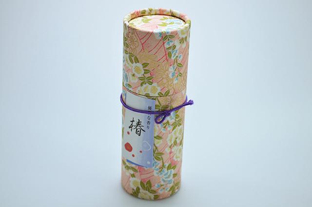 【奥野晴明堂】和柄 スタンドタイプ 椿赤(優美な香り) 円筒形