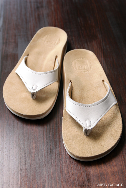 The Sandalman 501Narrow White Bullhide/Sand Beige Suede