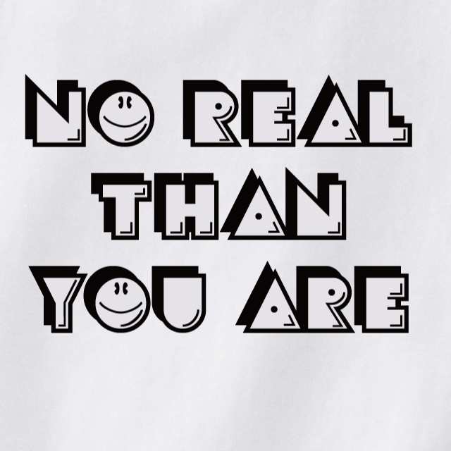 NO REAL THAH YOUARE Tシャツ ロゴ プリント