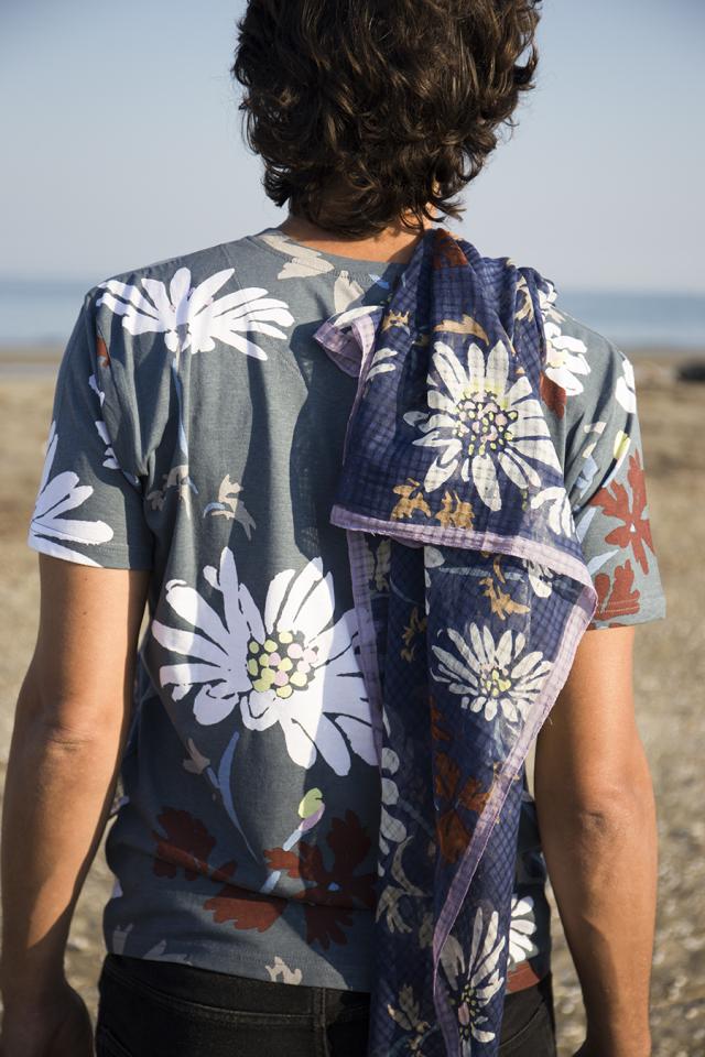 ユニセックス T-shirt[FRIDA KHALO]TS1991-01