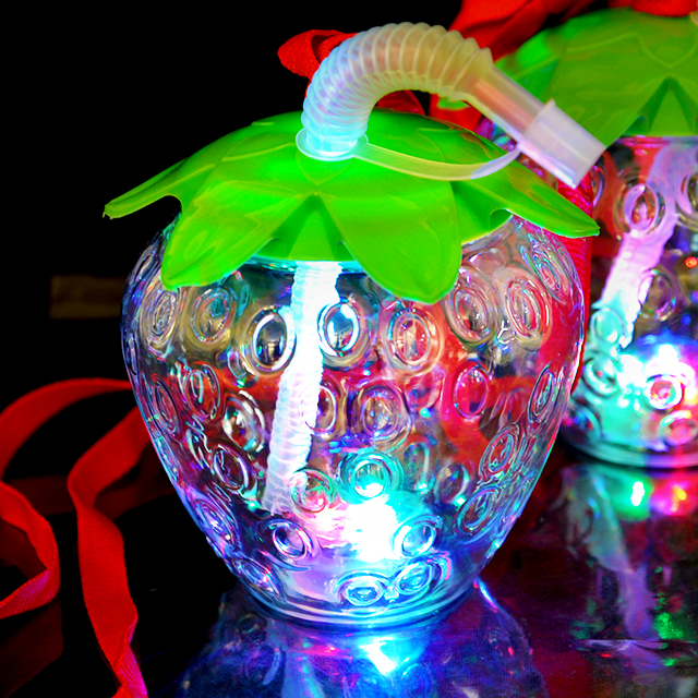 gld-470top 光るイチゴボトル ストラップ付 6個入(電球ボトル類似品 光る容器)