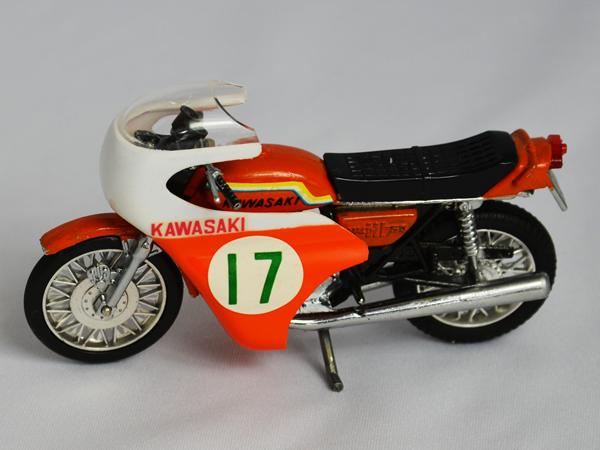 gr-917toc 【限定コレクター商品】BIGMINI レーサータイプ 1/20 カワサキ 750-SS