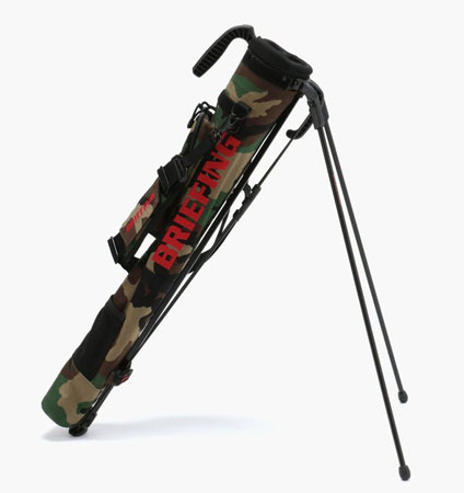 BRIEFING SELF STAND CARRY WOODLAND CAMO