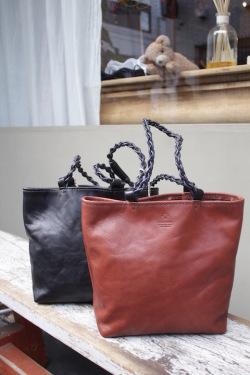 Teha'amana Leather 巾着TOTE BAG