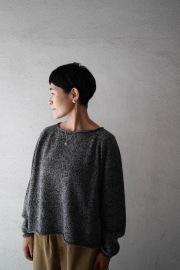 【再入荷】FACTORY WOOLロールネックショート丈セーター