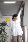 AODRESS カディシルク刺繍ブラウス