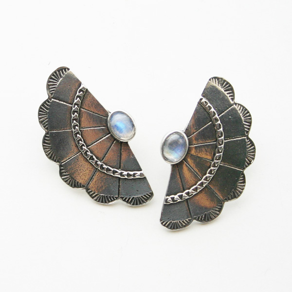 The2BANDITS/Concho Wing Earring Silver, Moonstone