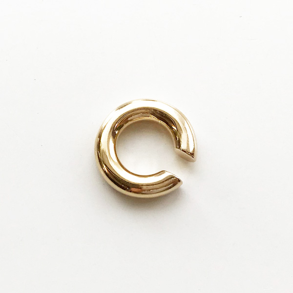 【再入荷】 Saskia Diez/BOLD EARCUFF NO2 BRASS, GOLD PLATED