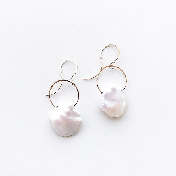MELISSA JOY MANNING/ 14 karat gold keshi pearl earring