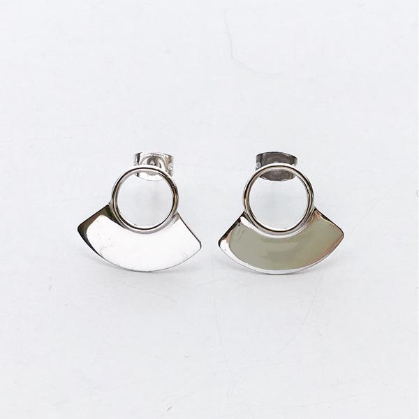 SOKO/petite paddle stud in silver