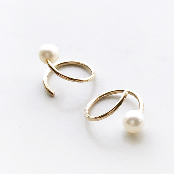 Wolf Circus/Pearl Swirl Studs in 14K gold plated,