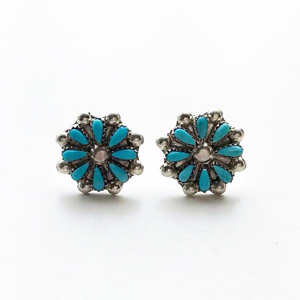 【再入荷】 HARPO/BO5 Small Flower Post Earrings in Turquoise