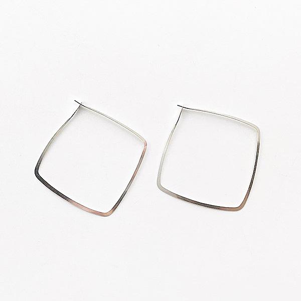 MELISSA JOY MANNING/ Sterling Silver medium square hoop