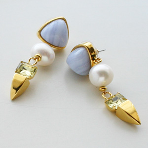 Lizzie Fortunato Jewels/Oyster Pearl Earrings