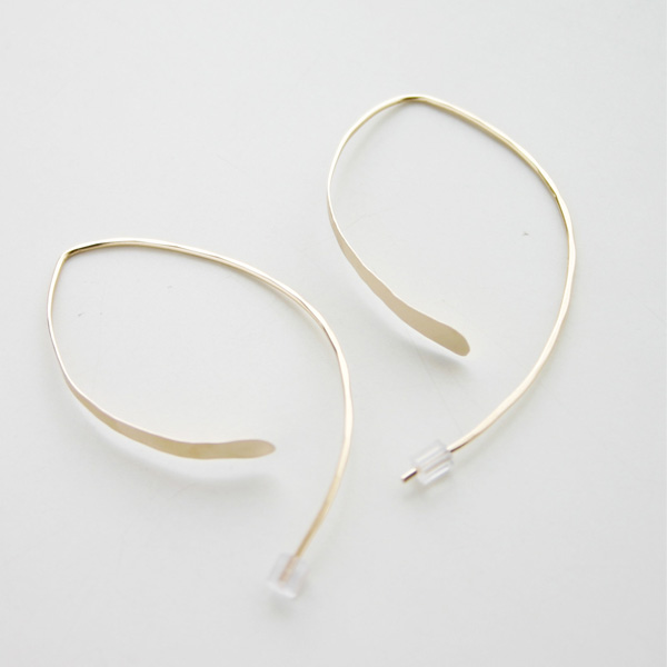 MELISSA JOY MANNING/14 karat gold wishbone earring