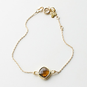 Gag et Lou/Bracelet with small stone brass gold plated