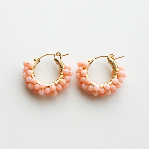 viv&ingrid/14K gold filled hoop wrapped w/3rows of peach coral/SMALL