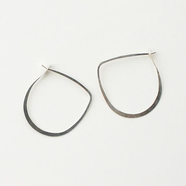 MELISSA JOY MANNING/large half round hoops