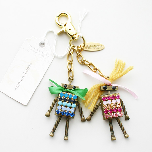 【50%OFF】 lenora dame/Mr. AND Mrs. BOT Keychain