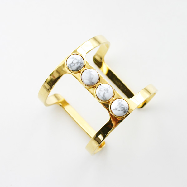 Lizzie Fortunato Jewels/Pebble TBar Cuff/Howlite