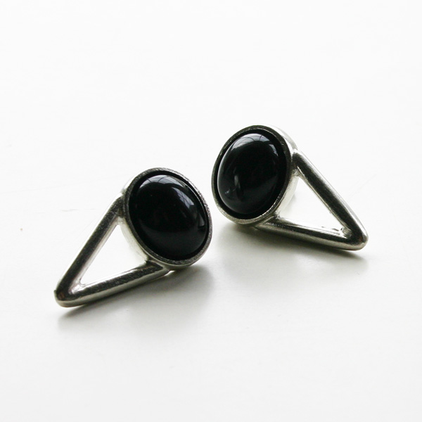 The2BANDITS/The Wall Earrings Antique Silver, Black Onyx
