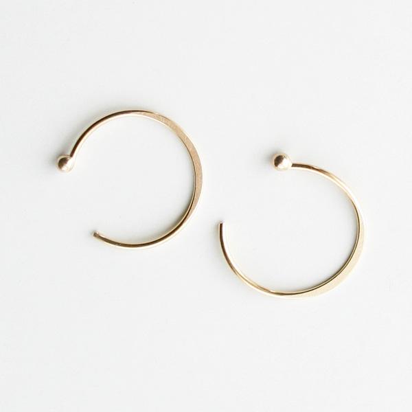 MELISSA JOY MANNING/14 karat yellow gold large hug earring