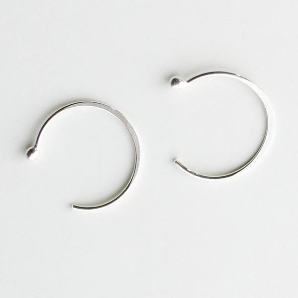 MELISSA JOY MANNING/sterling silver large hug earring