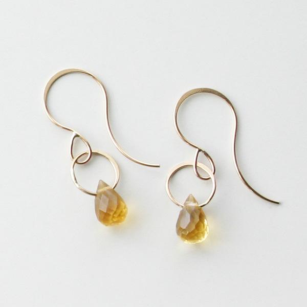 MELISSA JOY MANNING/14 karat yellow gold Citrine single drop earring