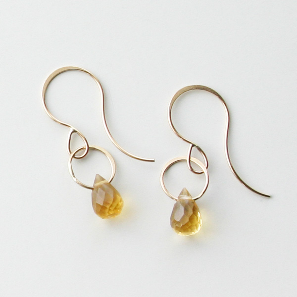 MELISSA JOY MANNING/14 karat yellow gold Citrine single drop earring