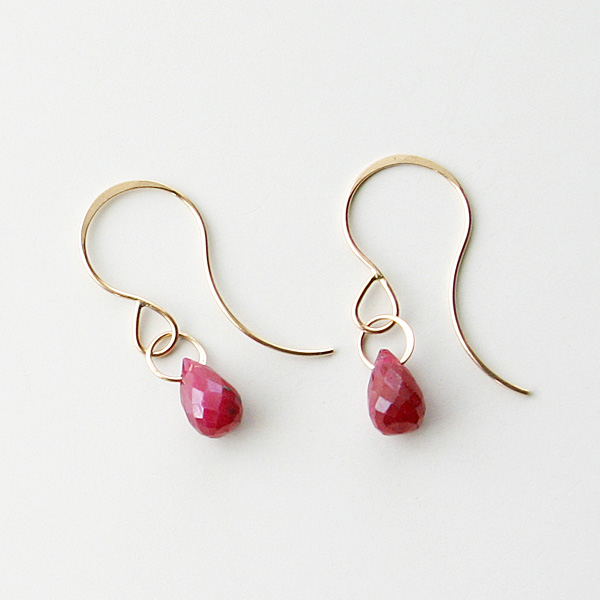 MELISSA JOY MANNING/14 karat yellow gold ruby single drop earring