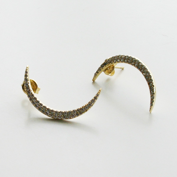SHASHI NYC/Crescent Pave Earring in Gold