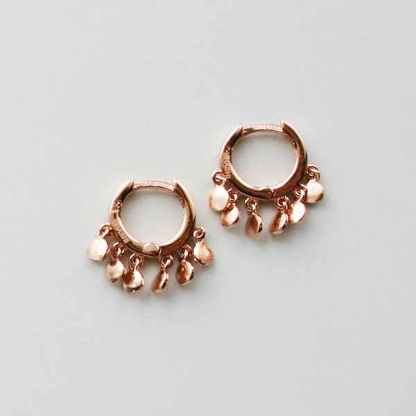 SHASHI NYC/Ashley Huggie in Rose Gold