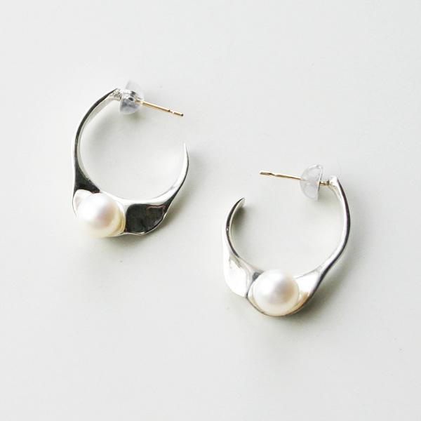 IRIS47/Wave Pierce in Silver