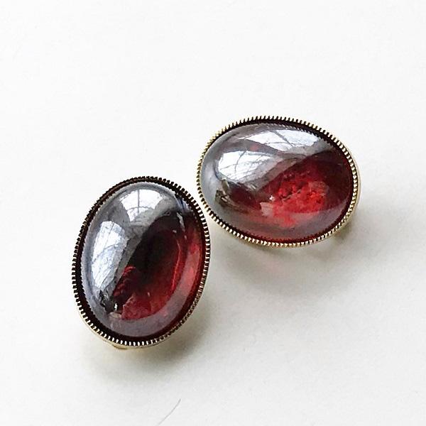 gren/vintage glass stone EC M/RED