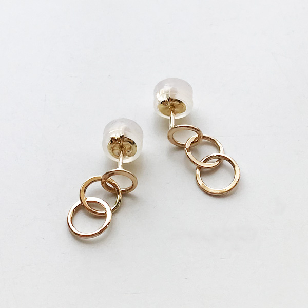 MELISSA JOY MANNING/14 karat gold mini triple circle earrings